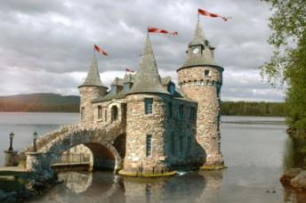 Gastons magiska slott vid Bergets Sjö