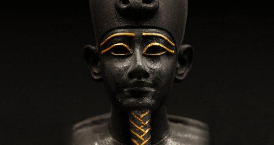 Staty av guden Osiris