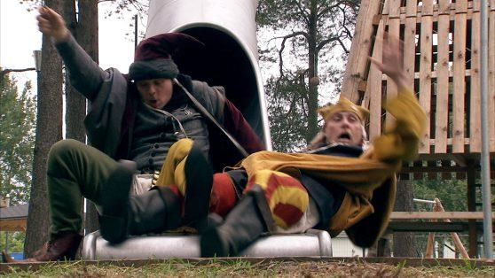 Gaston och Arkadia hamnar på jorden genom en kana