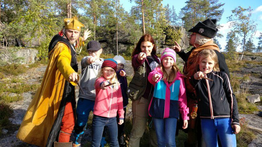 Arkadia, Fenja och Doktorn tillsammans med barn