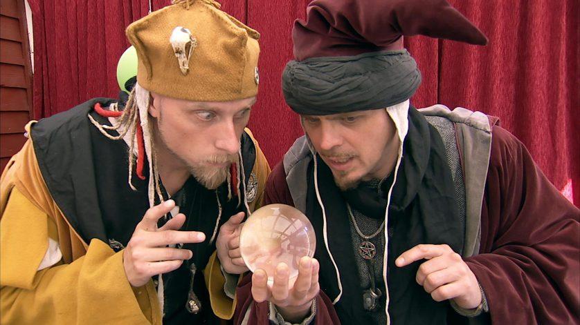 Arkadia och Gaston pratar om onda magiker